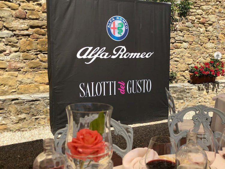 Salotti Del Gusto 2019.Strade Stellate Alfa Romeo Fa Tappa Al Falconiere A Cortona Marco